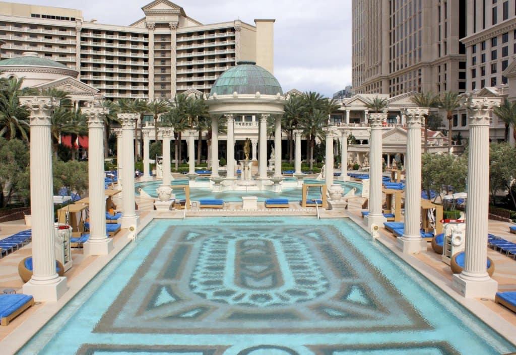 Como é o Hotel Caesars Palace
