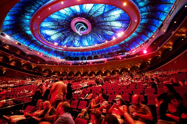 """Palco do show """"O"""" do Cirque du Soleil em Las Vegas"""
