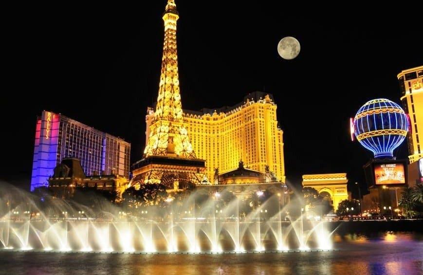 Torre Eiffel no hotel Paris em Las Vegas