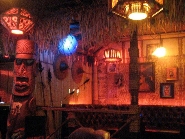 Principais bares de Downtown em Las Vegas: Bar Frankie's Tiki Room