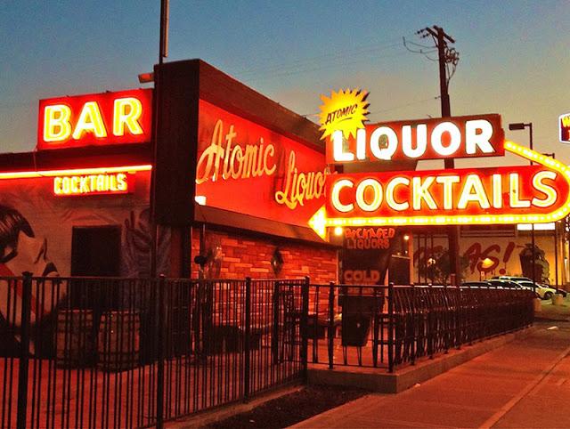 Principais bares de Downtown em Las Vegas: Bar Atomic Liquor